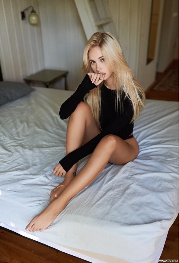 Русские блондинки ебутся онлайн идет