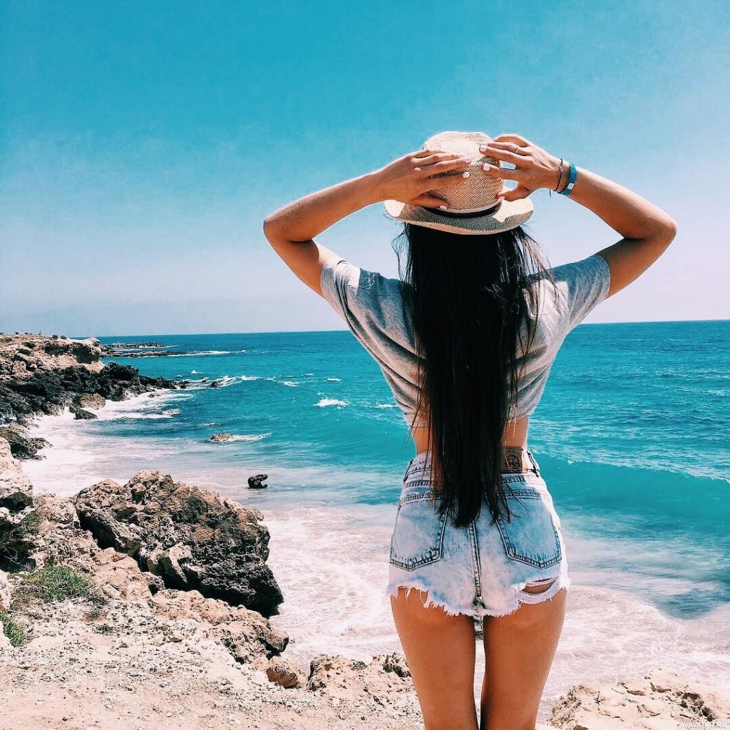 Брюнетки лето море фото