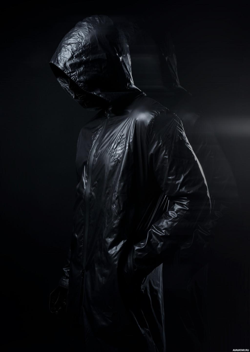 картинки человек в темном капюшоне фигуры
